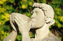 statue-de-bacchus-dieu-romain-de-vin-11574284